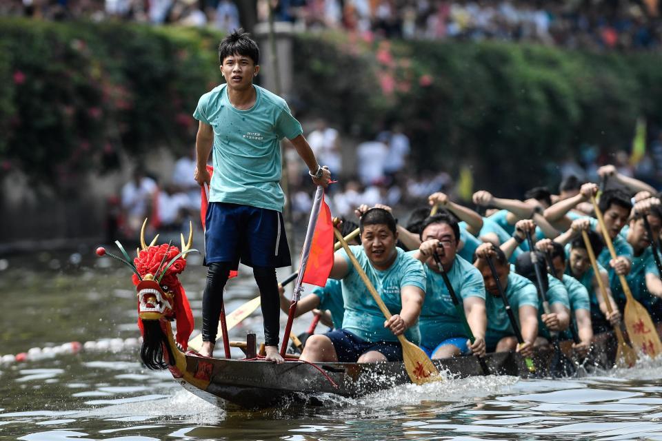 Китайский фестиваль лодок-драконов (18 фото)