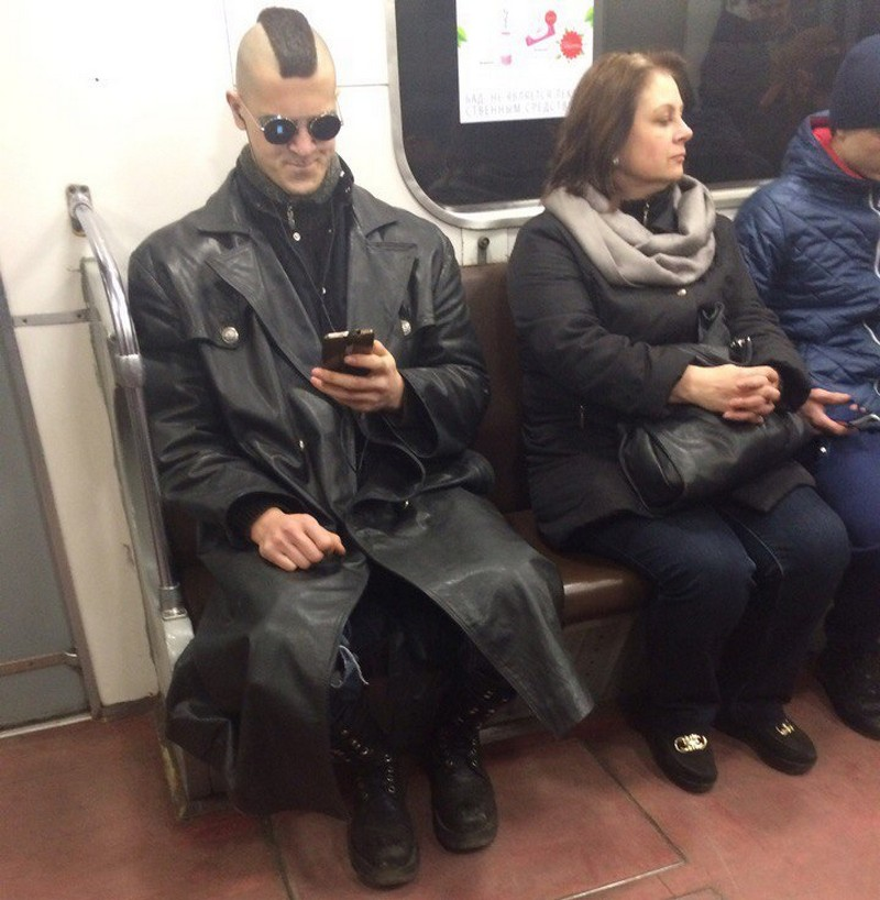 Модники и чудики из российского метрополитена - 3 (36 фото)