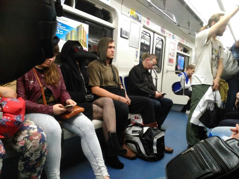 Модники и чудики из российского метрополитена - 11 (35 фото)