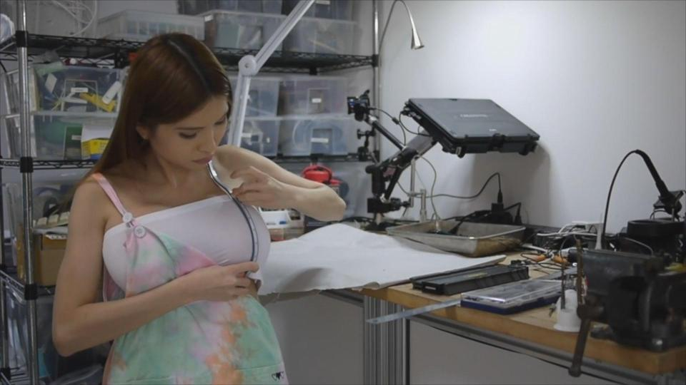 Девушка-программист напечатала бикини на 3D-принтере