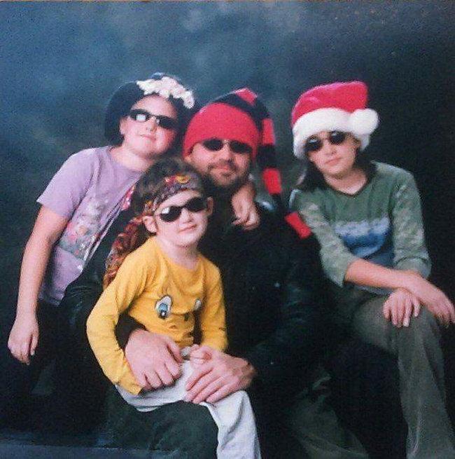 Странные люди на семейных фотографиях