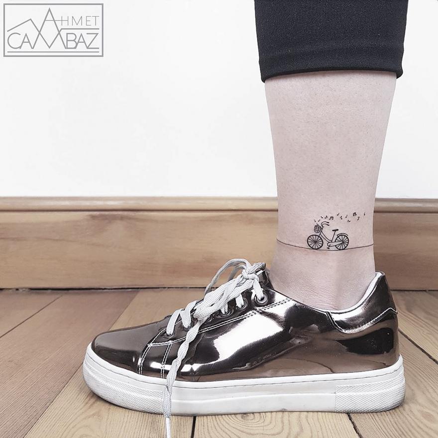 очень простых но поразительно милых татуировок
