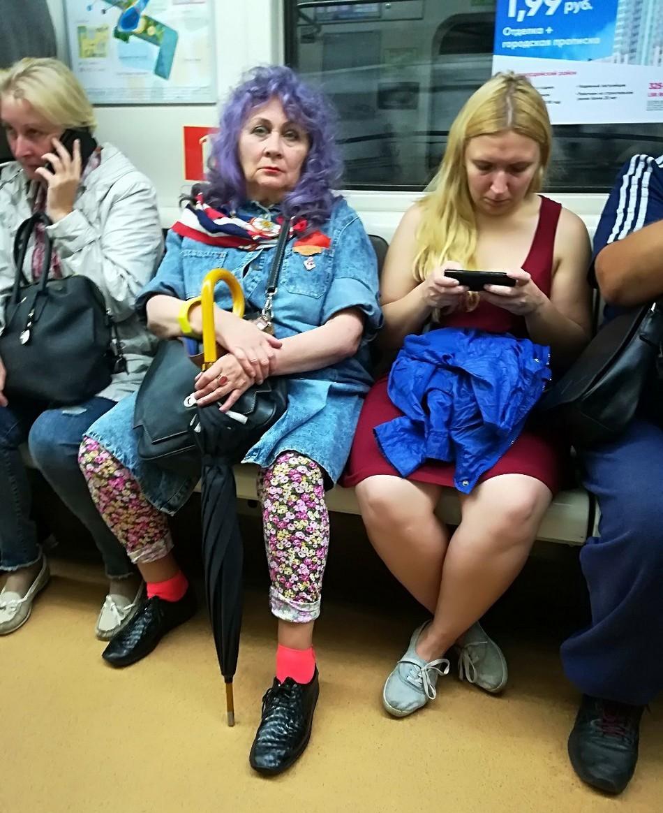 Модники и чудики из российского метрополитена - 16 (40 фото)