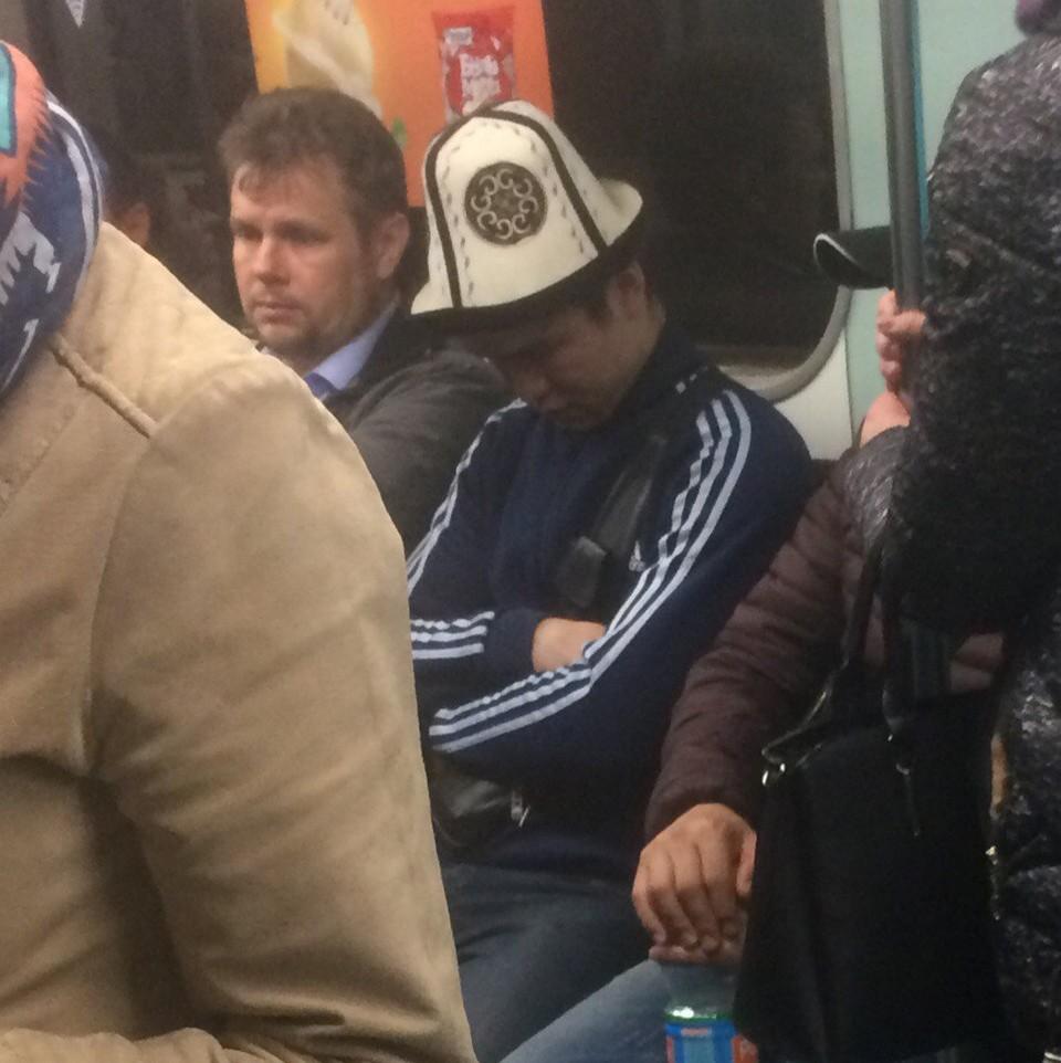Модники и чудики из российского метрополитена - 19 (43 фото)