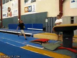 Гимнастика это больно, не начинайте! (23 гифки)