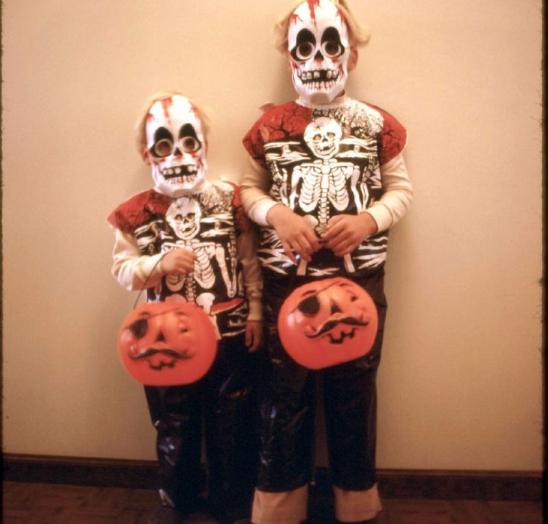 Страшно веселые детские костюмы к Хэллоуин