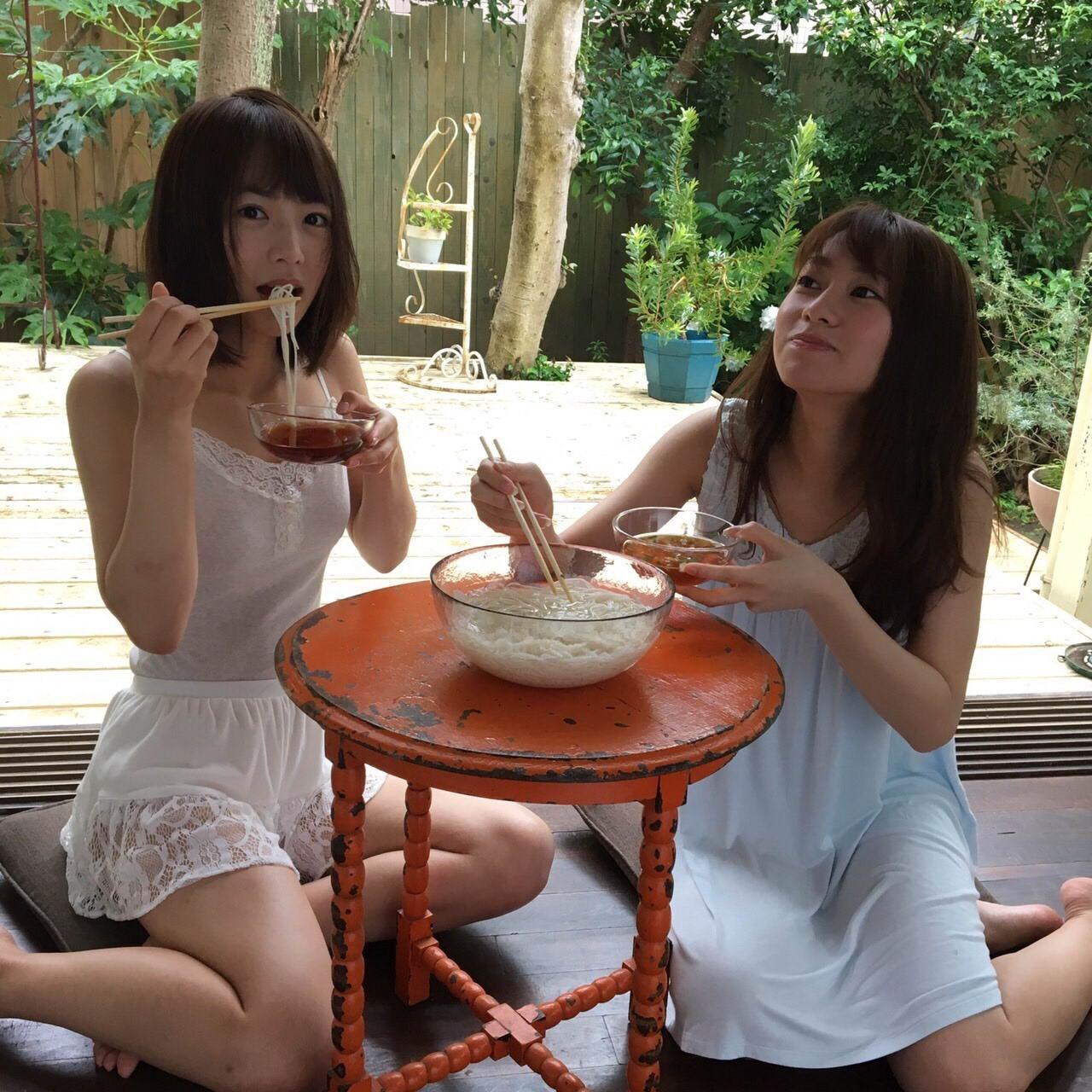 Азиатские девушки