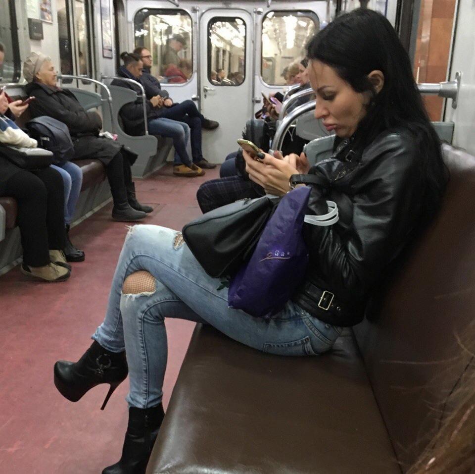 Модники и чудики из российского метрополитена - 21 (40 фото)