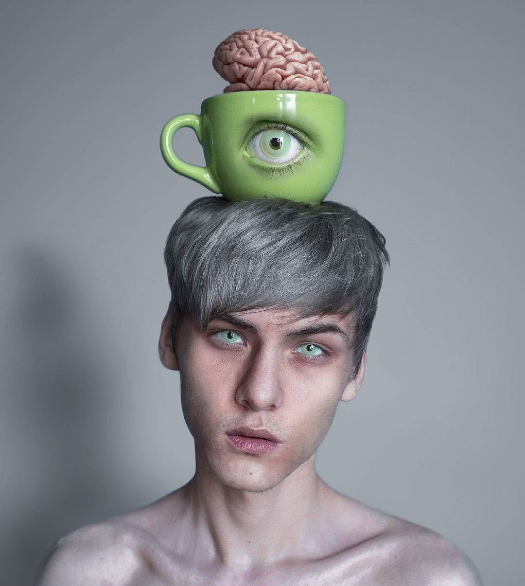 Темный сюрреализм 18-летнего российского художника