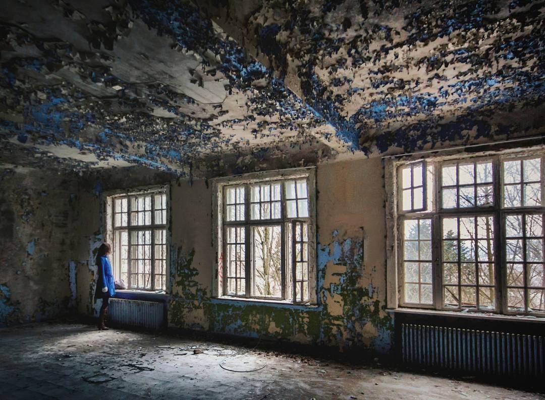Заброшенные дома на снимках Бритт Мери Бай (40 фото)