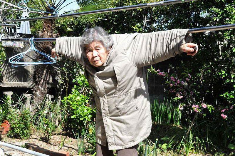 89-летняя бабушка и ее забавные селфи - чистое золото!