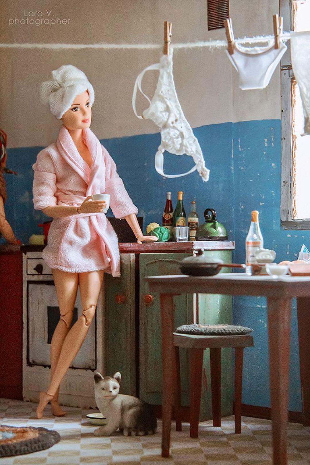 Барби и Кен в советской коммуналке (10 фото)