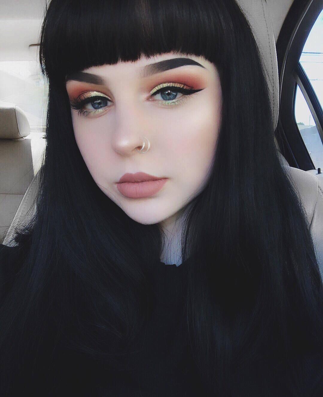 Необычные девушки Instagram