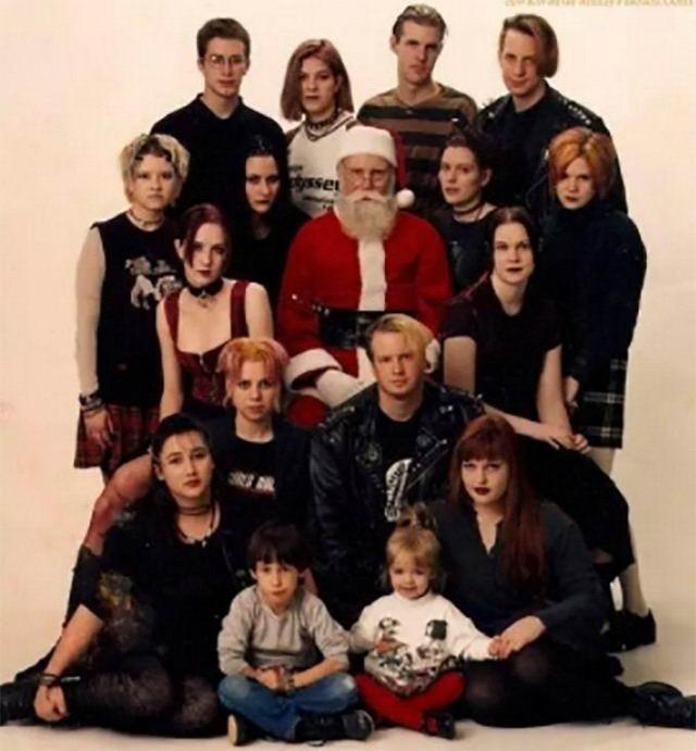 Очень странные рождественские семейные снимки