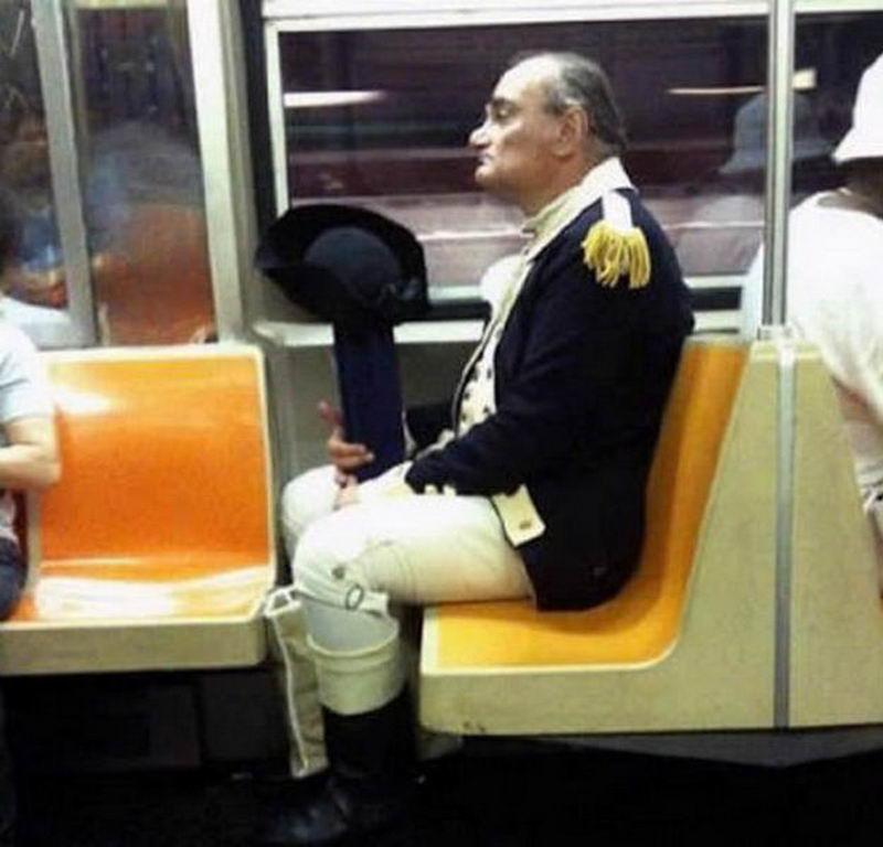 Фрики в общественном транспорте (50 фото)