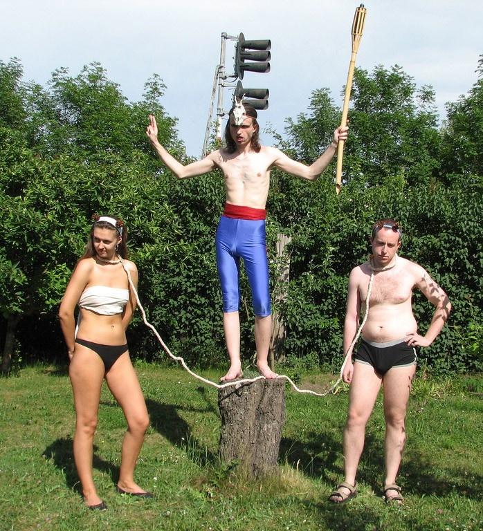 Странные люди делают странные вещи - 19 (40 фото)