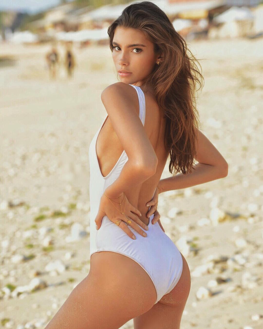 Девушка дня: бразильская модель Синди Мелло