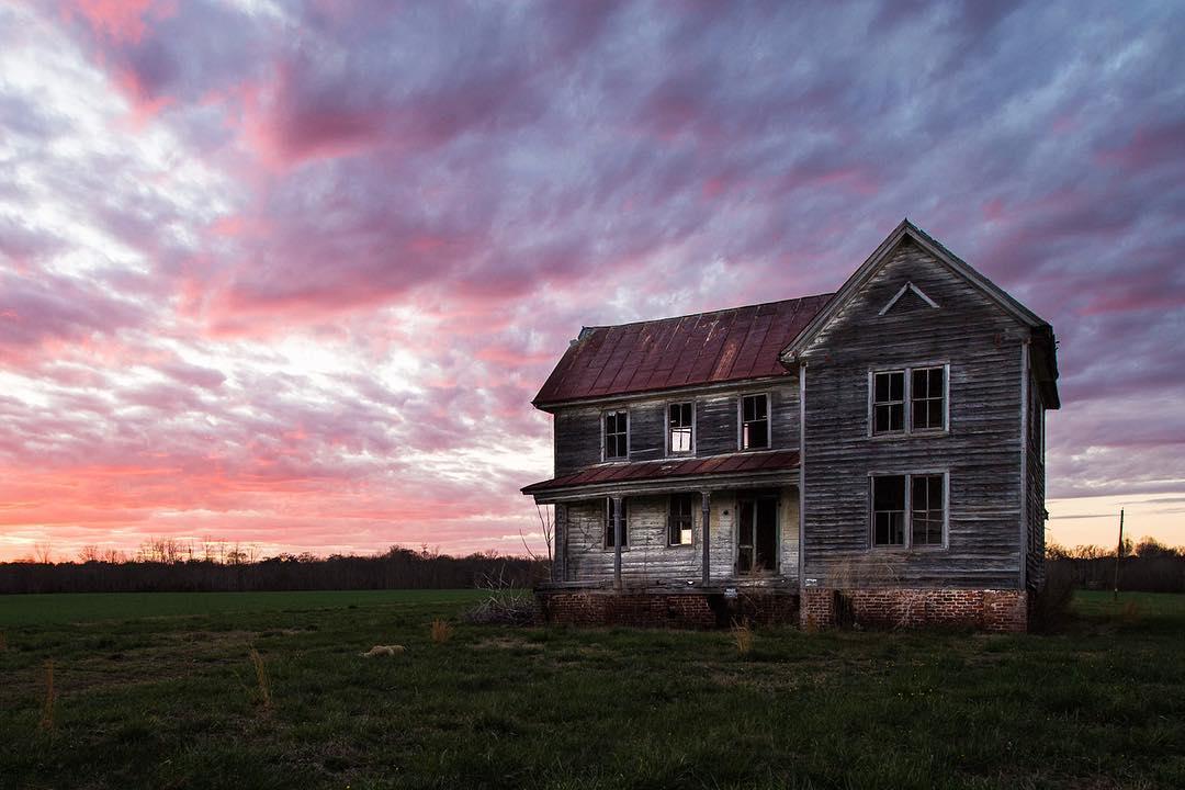 Заброшенные места в США на снимках Дженн Браун (25 фото)