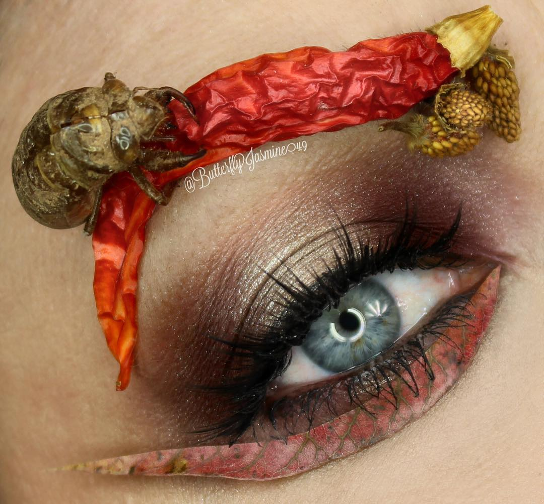 Экстремальный макияж с мертвыми насекомыми