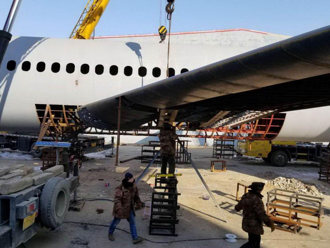 Китайский фермер строит свой Airbus A320 (15 фото)