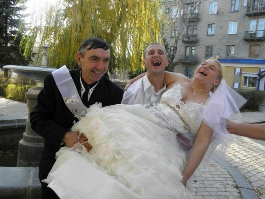 Странные конкурсы на русской свадьбе - 10 (30 фото)