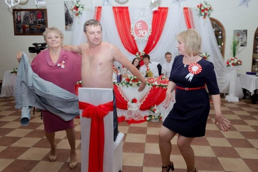 Странные конкурсы на русской свадьбе
