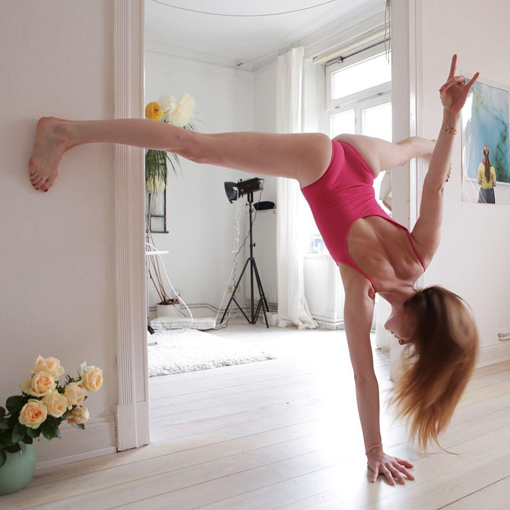 Провокационные фотографии танцовщиц Карстена Туна