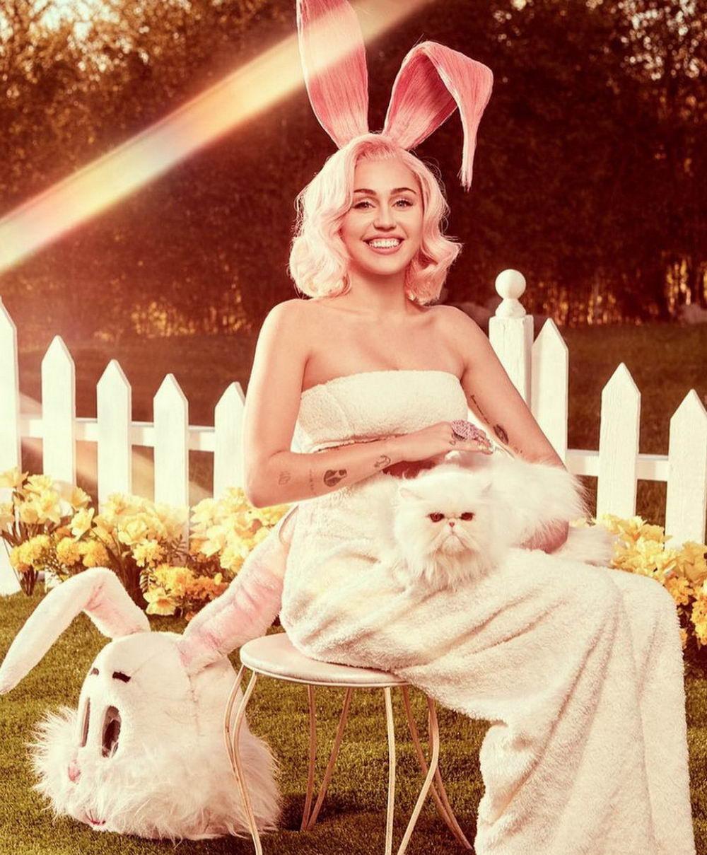 Miley Cyrus в пасхальной фотосессии (15 фото)