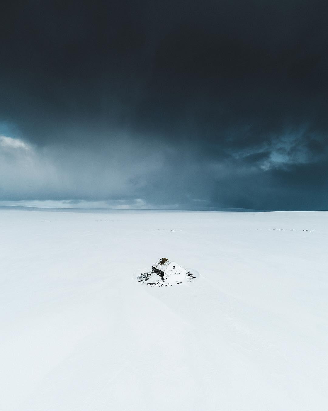 Исландия на аэрофотоснимках Бенджамина Хардмана (25 фото)