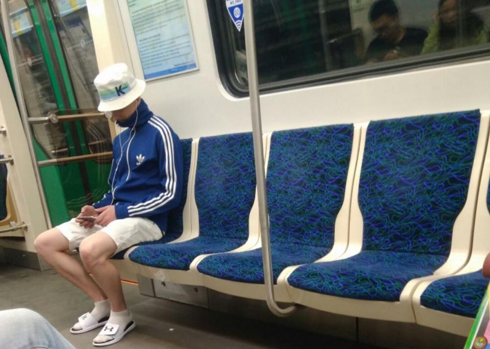 Нереально модные люди из российского метро - 46 (36 фото)