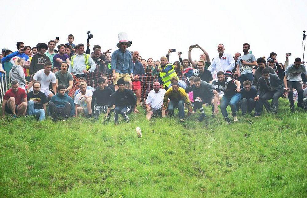 Сырная гонка в Великобритании (20 фото)