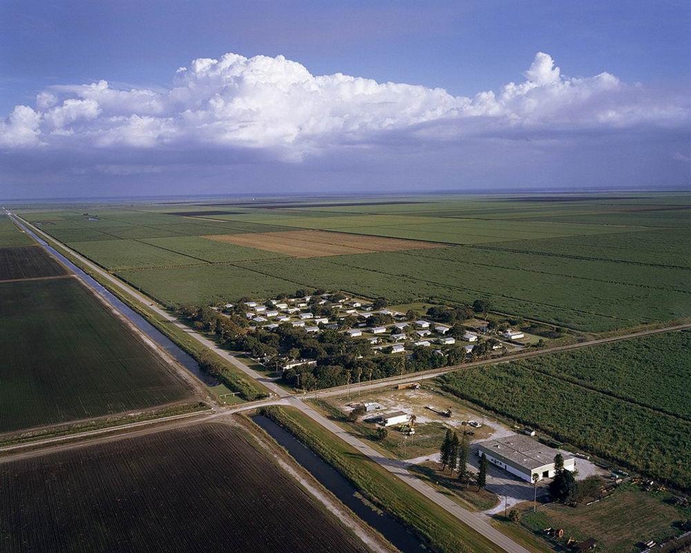 Деревня во Флориде, где живут насильники, убийцы и грабители (22 фото)