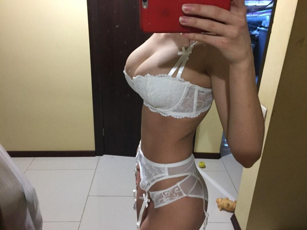 Девушки примеряют белье, купленное в онлайн магазинах - 6 (40 фото)