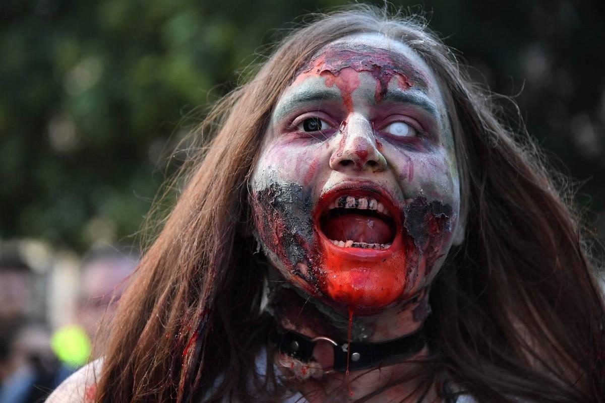 Очередное нашествие зомби во Франции (15 фото)