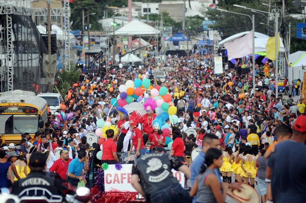 Карнавал в честь 440-летия Тегусигальпа (30 фото)