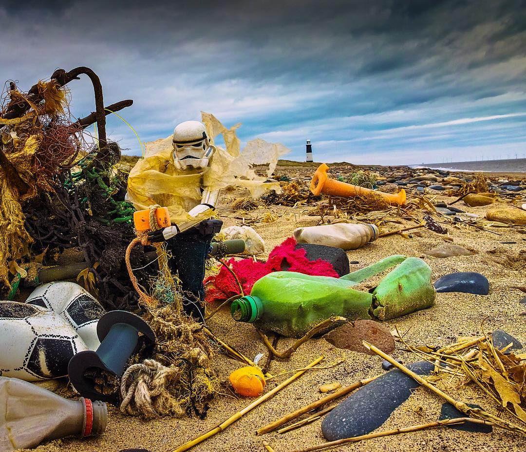 Жизнь игрушечного штурмовика из «Звёздных войн» на фото Дэррилла Джонса (25 фото)
