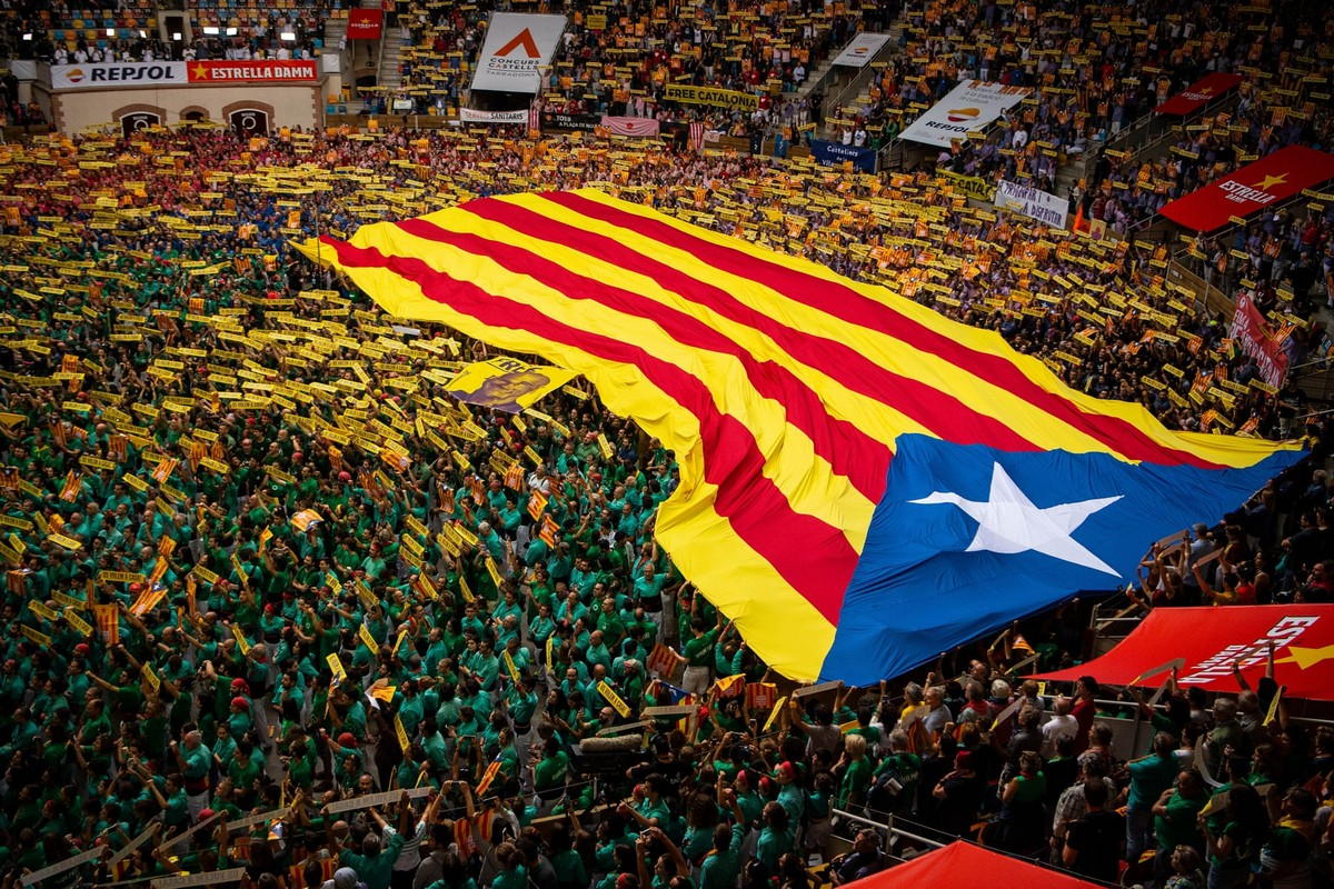 Кастельерс: человеческие башни Каталонии (30 фото)