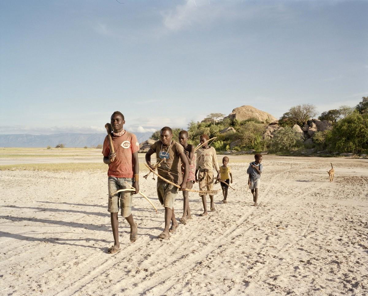 Хадза — последние охотники-собиратели Танзании (16 фото)