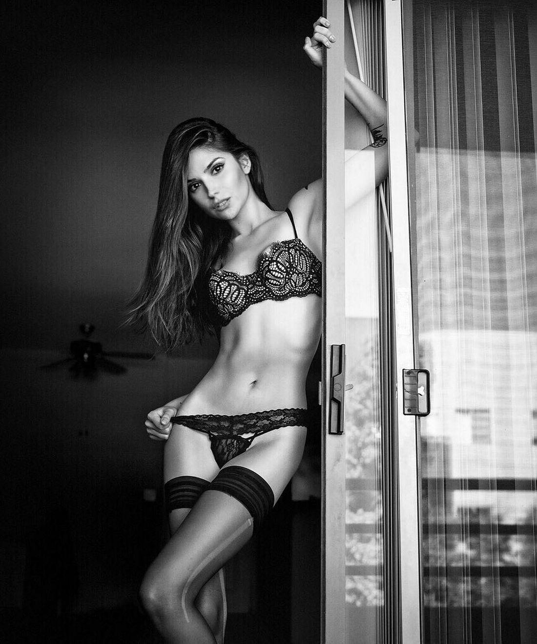 Привлекательные девушки в нижнем белье - 15 (40 фото)
