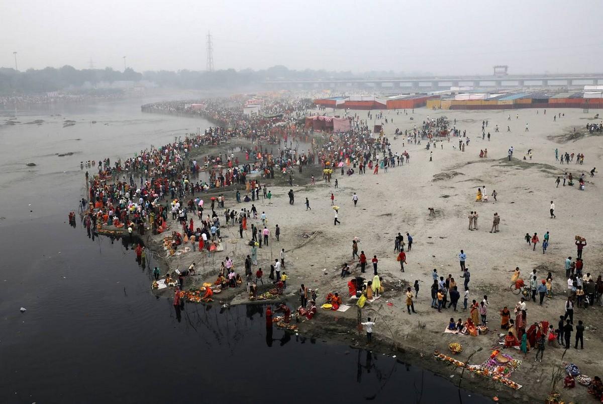 Фестиваль Чхат Пуджа в Индии (50 фото)