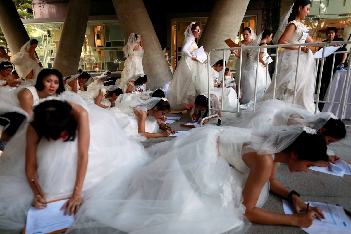 Ежегодный забег невест в Бангкоке (32 фото)