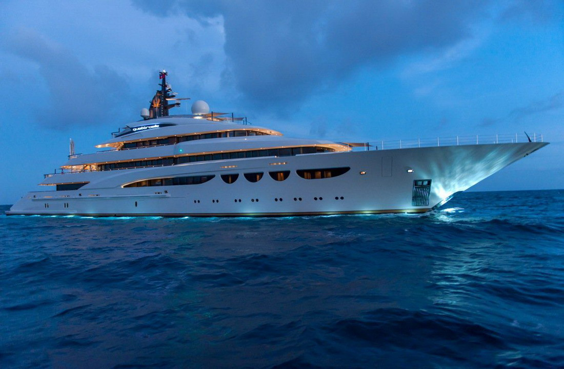 Яхта за 1.3 млн долларов в неделю (30 фото)