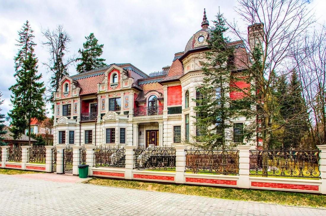 От  000 000: особняки московских миллионеров, выставленные на продажу (40 фото)