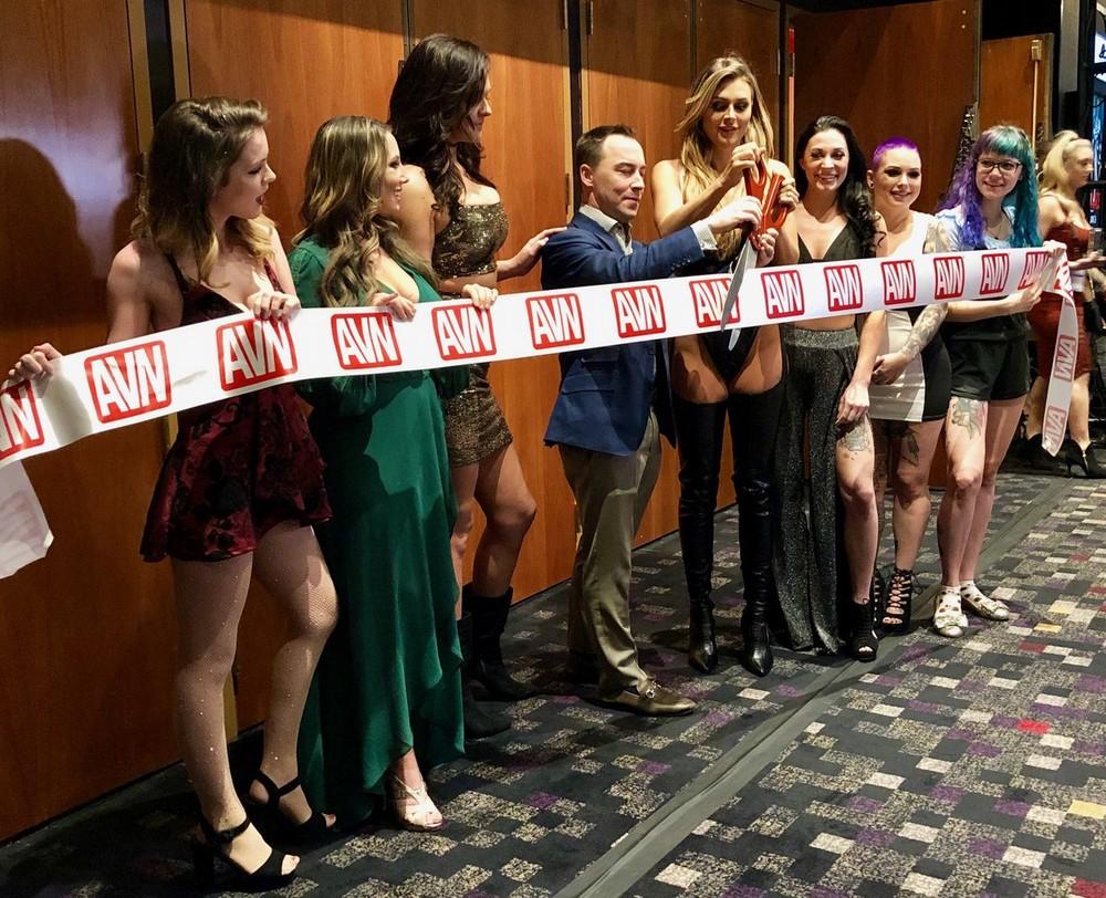 AVN 2019 - Выставка развлечений для взрослых (22 фото)