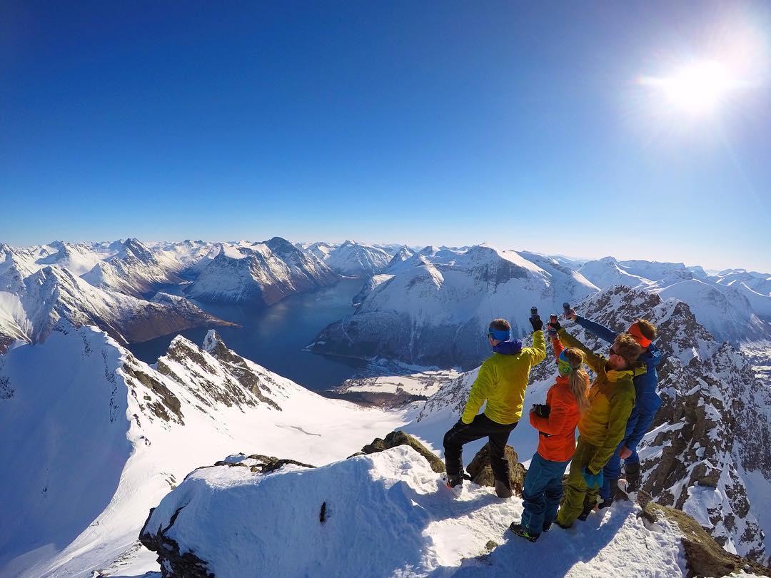 Замечательные снимки горных пейзажей, сделанные Йоргеном Ойехаугом (25 фото)