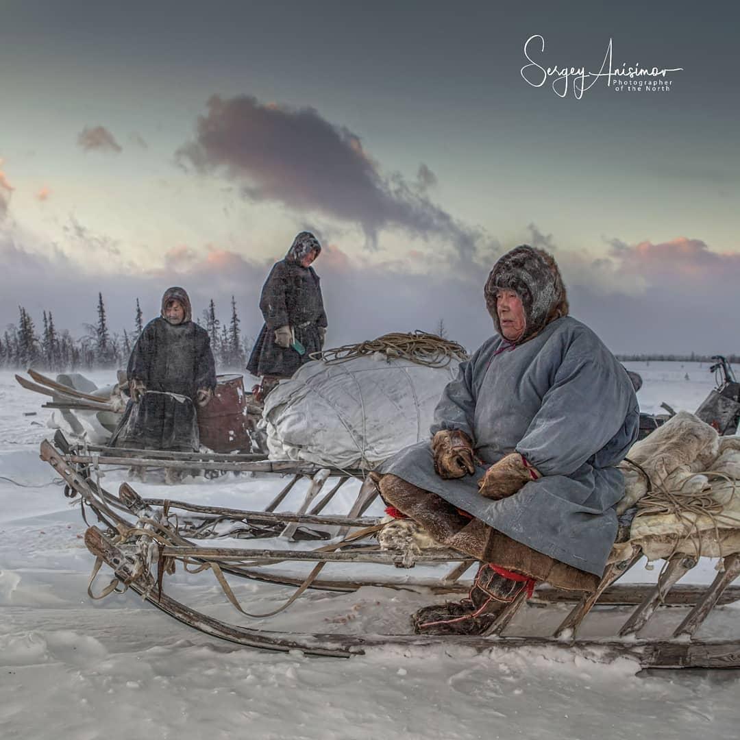Повседневная жизнь на Северо-Западе Сибири (25 фото)