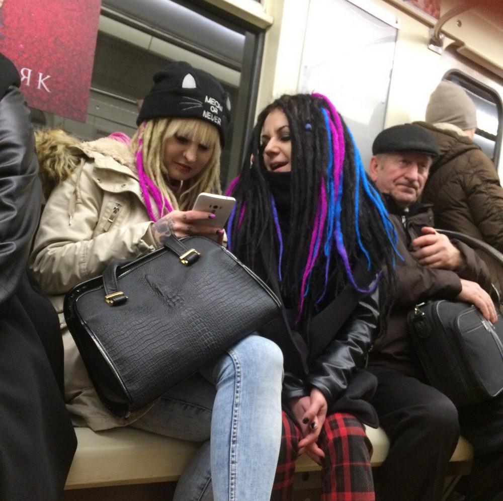 Модники и чудики из российского метрополитена - 77 (40 фото)