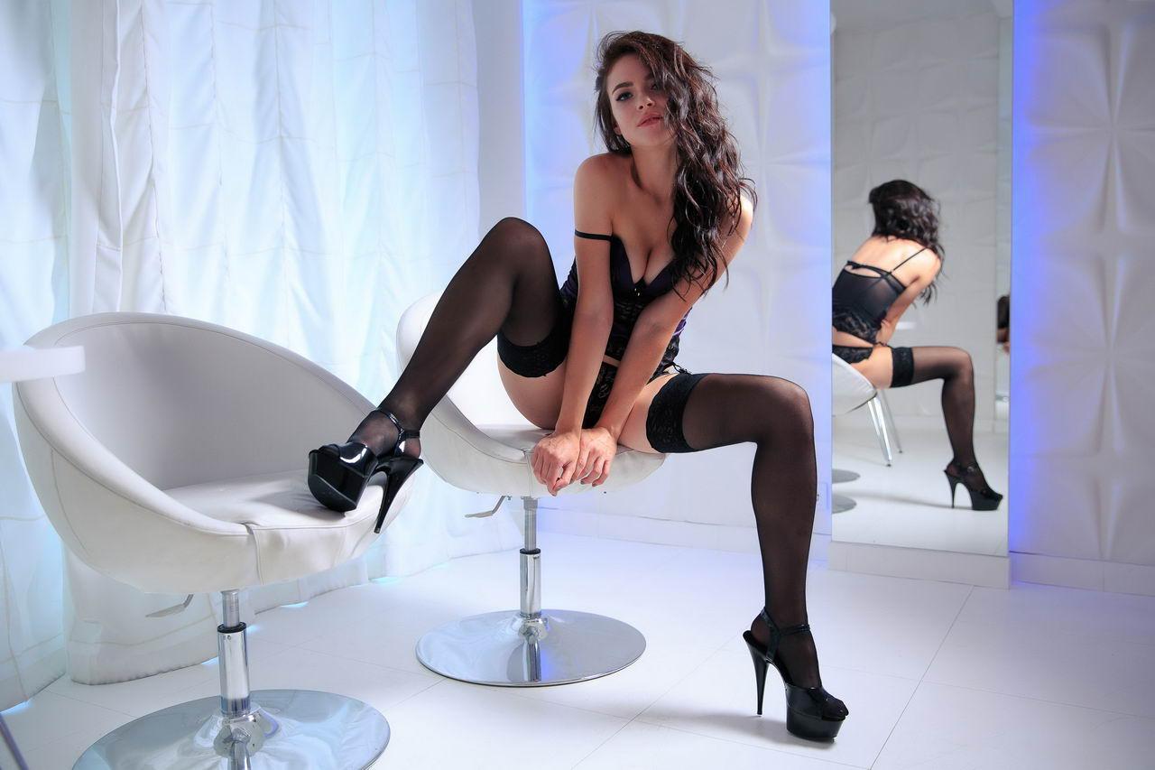 Привлекательные девушки в нижнем белье - 23 (50 фото)