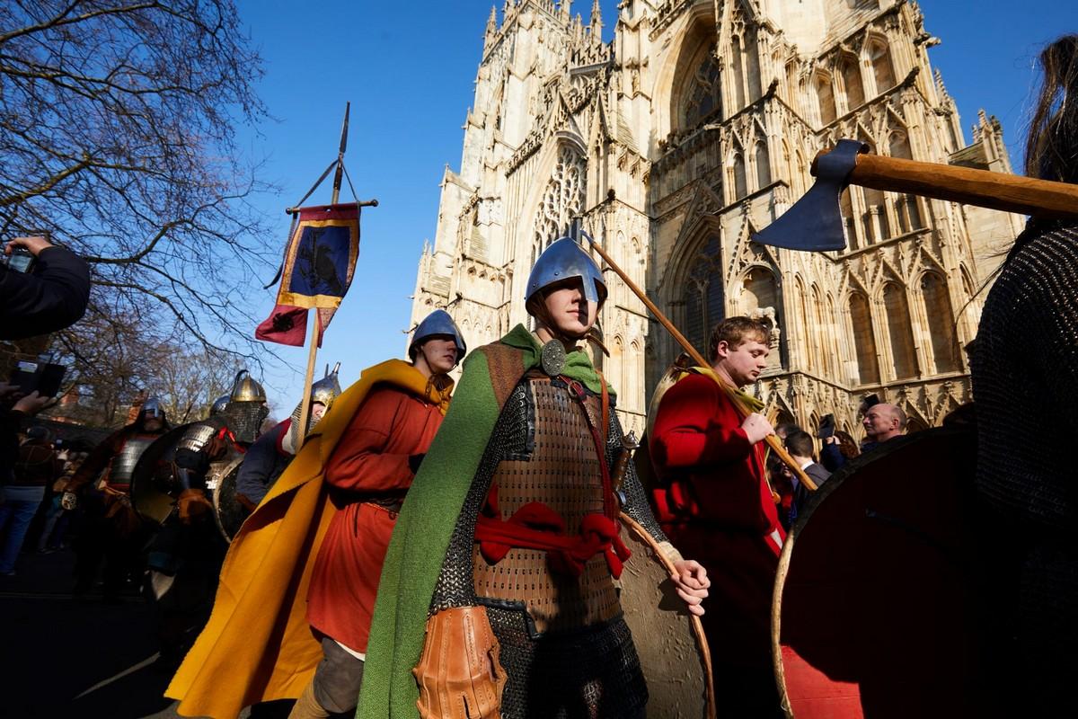Фестиваль викингов в Великобритании (20 фото)