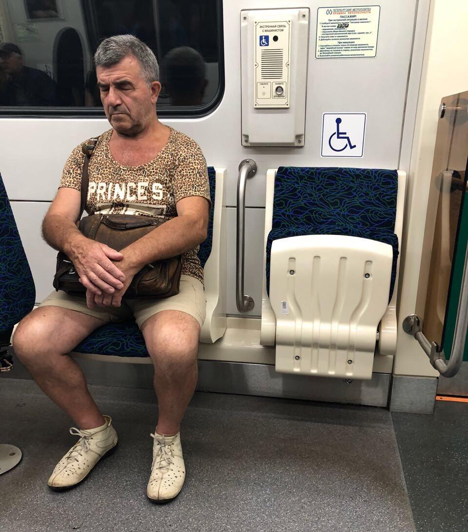 Модники и чудики из российского метрополитена - 80 (40 фото)